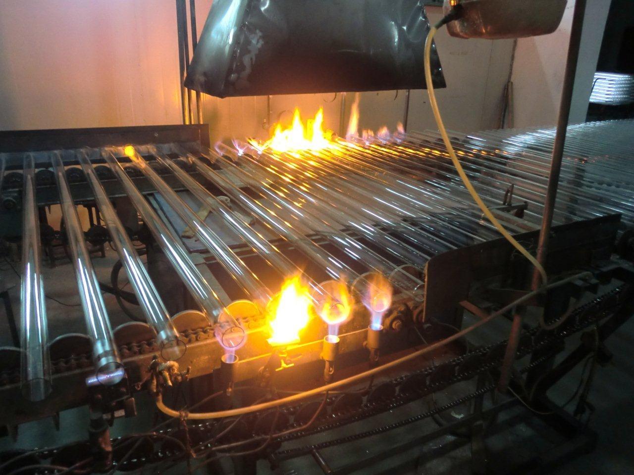 Vakuumrör, egen värme från solen, Solfångare, Vakuumrörsolfångare ...